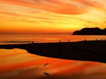 冬の時季は夕焼けがとってもキレイ!絶景!!由比ヶ浜の夕景