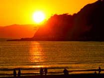夕日の名所、由比ヶ浜