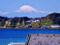 光明寺裏山から見る冠雪の富士~材木座