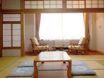 *【お部屋一例】和室でゆったりお寛ぎ下さい。