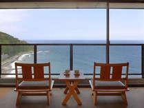 *客室一例。相模湾を望む全室オーシャンビューの大パノラマをお愉しみ下さい。