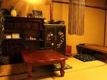 【共有スペース】ゆったりとした和室の空間で他のゲストと交流♪