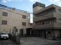 ビジネスや鎌倉観光にとても便利(JR大船駅より徒歩5分)、江ノ島へは、湘南モノレールで13分です。