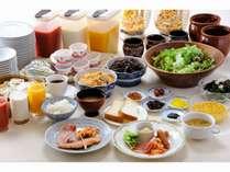 【朝食】お時間6:30~9:30☆☆カフェレストラン楓にてバイキングです。