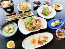 【夕食】おすすめコース/海鮮陶板や鮎の塩焼き、牛ステーキなどたっぷり愉しめるお料理コース※イメージ