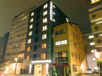 【世界遺産・二条城】を眼前に建つ「新築デザインホテル」がOPEN