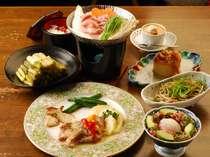 夕食の一例和洋のコラボなメニューはあらゆる年代のお客様に喜ばれます