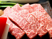 霜降り度合が高く、特有の香りと肉の柔らかさが特徴の近江牛