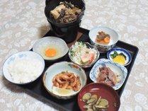 *【夕食一例】主人がボリューム満点の夕食です♪