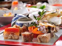 *目にも鮮やかな、厳選した旬の食材のお料理の数々。