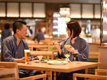 ゆっくり会話とできたて料理が楽しめるビュッフェレストラン