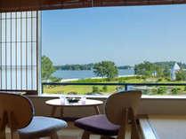 7000坪の水上庭園と松島の絶景を望む眺望和室
