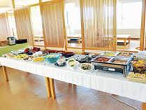 【朝食バイキング一例】種類豊富な和洋食バイキング!お腹いっぱいお召し上がりください。