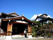 奈良ホテル正面玄関