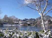 白銀に包まれた木戸池温泉ホテル