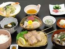 最上階の和食レストラン「羽山」にて、郷土料理中心の和食膳 ※イメージ