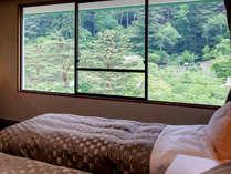 【和洋室】お部屋からの眺望は花巻温泉を囲む山々。※イメージ