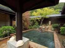 大自然の空気がおいしい源泉かけ流しの露天風呂