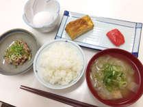 *<朝食一例>手作りの和定食で朝からほっこりします。,福井県,ビジネス旅館まつや