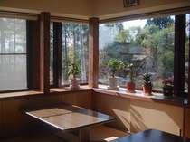 朝日のあたる食堂