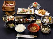 ◆グレードアップ◆お食事をちょっと贅沢に!地元食材に舌鼓♪貸切風呂無料