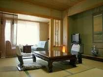 和室10畳+広縁付き客室(一例)広めの広縁でも寛いでいただけます