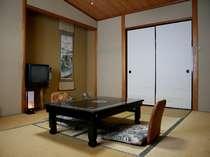 和室10畳客室一例です。お部屋でゆっくりおくつろぎください。.