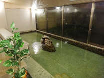 ■無色透明な天然温泉♪保温効果に優れ、全身ポッカポカに・・・