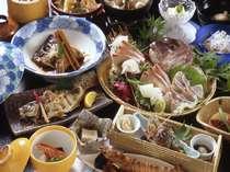 朝獲れた新鮮な魚介を使った料理はどれも上品な味と評判