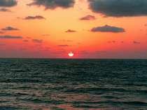 *天気が良ければ日本海に沈む美しい夕日をご覧頂けます