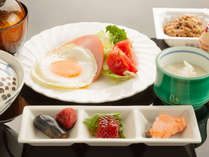 旬の食材を使用した朝食