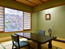 料理茶屋 杢右衛門 京の料亭街をイメージした古風な趣きです。