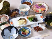 【朝食】和定食スタイルの朝食で朝の活力に!