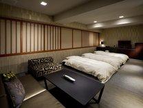 【お部屋】和室43㎡の布団を敷いたらこのような感じになります。