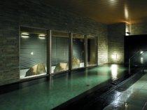 ご滞在中はずっと使えるホテル自慢の大浴場です。