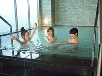 【婦人の湯】足を延ばして湯ったり一休み。深夜も使えて便利です。