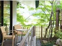 絹 リリューアルテラスと庭園 五百川のせせらぎを聴きながらゆったりお過ごしください