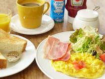 スクランブルエッグの朝食セットです。