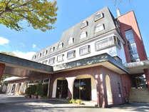 観光・ビジネスに最高の立地、白馬ロイヤルホテル
