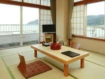 *海が目の前!相模湾を一望♪みやこ荘の標準的な広さの和室のお部屋です!