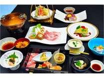 *夕食(季節のおすすめプラン一例)鮮度の良い、地元食材を活かした料理にこだわっております。