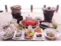 ご夕食イメージです。お一人様1杯の蟹が付いた贅沢な和食膳です。