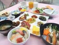 【朝食】勝手鍋と勝手丼をメインに和洋のバイキングをご用意しております(盛り付け例)