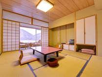 *新館和室10畳(客室一例)/美しい然別湖の景観を眺めながら、贅沢な時をお過ごし下さい。