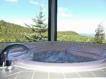 天空露天風呂 貴船備え付けの風呂場からの抜群の眺め