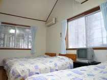 洋室トリプルです。ロフトに2名泊まれるので計5名が泊まれる部屋です!