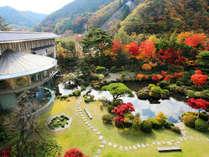 【日本庭園-水月園-】 5,000坪もの敷地に広がる庭園は、海外の名立たる国賓客も散策に時間を費やされました
