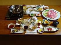 地元の素材を使用した富士桜ぽーくしゃぶしゃぶ膳です(一例)