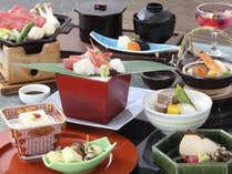 土瓶蒸しと牛肉味噌陶板焼が入ったランクアップした和食会席を夕食に☆秋のおもてなし会席プラン☆