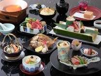 土瓶蒸しと牛肉とわらび鍋が入った贅を尽くした和食会席を夕食に「春の旬彩会席プラン」